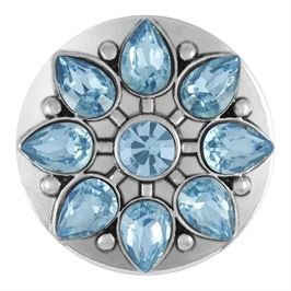 This snap by Ginger Snaps© features aqua tone, pear shaped stones surrounding a round gem