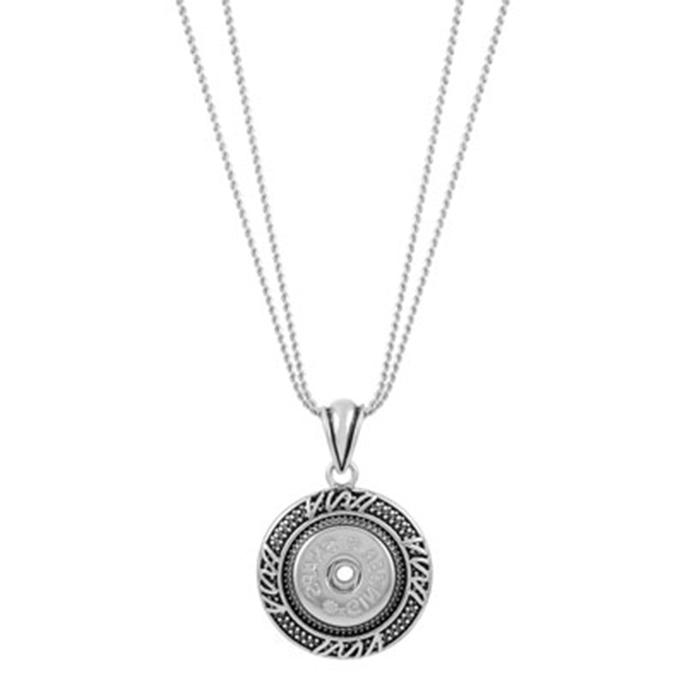 Zigzag design surrounding a single snap pendant