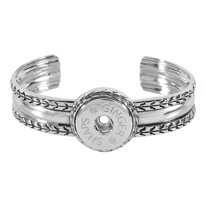 Chevron design on the sides and center of bangle